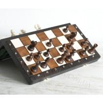 Магнитные шахматы из натурального дерева класса люкс. Шахматы магнитные 35 см