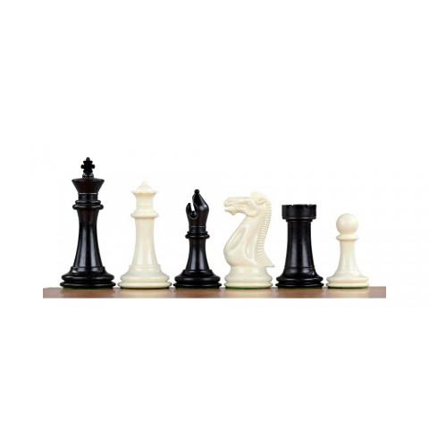 Фигуры для игры в шахматы изготовленные из пластика