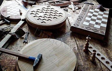 Процесс производства польских шахмат